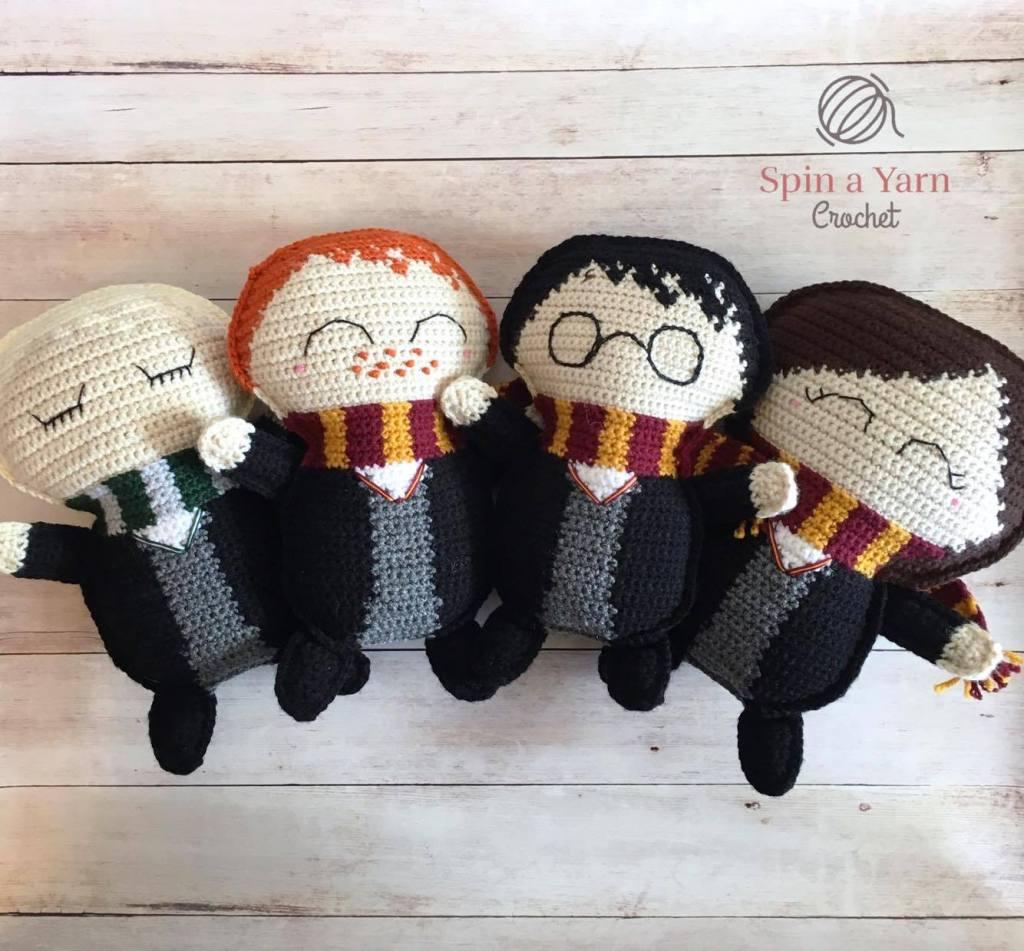 Niffler Premium Crochet Pattern, printable | Hooked by Kati | 951x1024