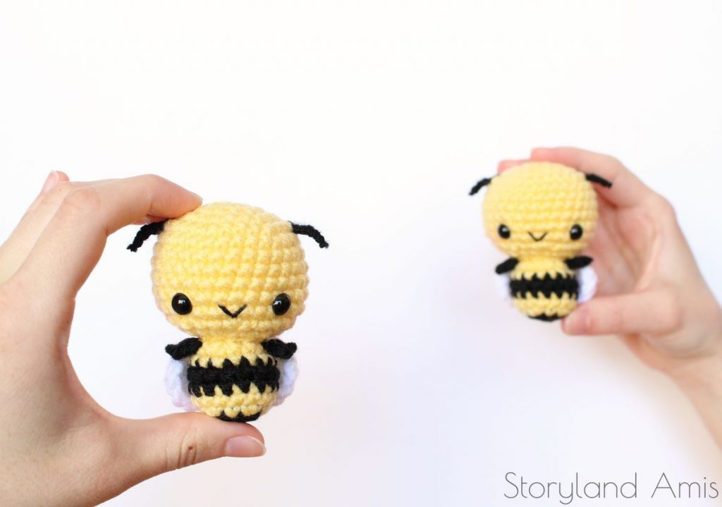 mini amigurumi bee