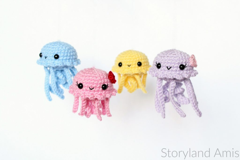 mini amigurumi jellyfish