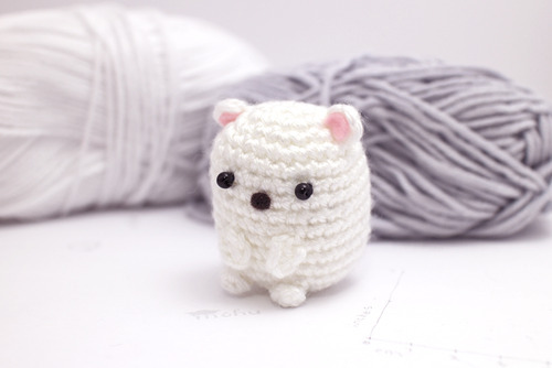 mini amigurumi polar bear